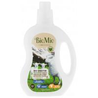 Средство для стирки БиоМио деликатных тканей 1,5л
