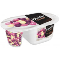 Йогурт Даниссимо Фантазия хрустящие шарики с ягодным вкусом 6,9% 105г